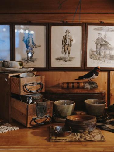 Découvrez nos vaisselles et décorations de table, venus d'ici et d'ailleurs !