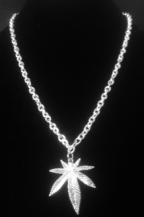 Silver Cannabis Leaf on heavy Chain