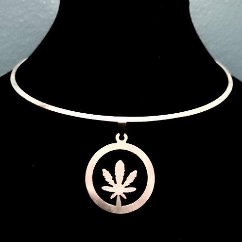 Silver Cannabis Choker 1 only 🌹