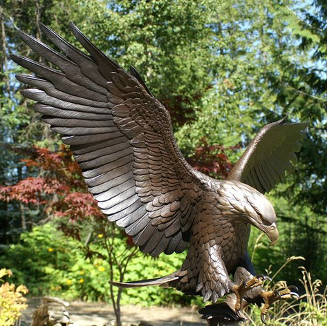 Vincentaa Bronze Eagle Statue 7.jpg