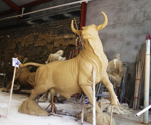 Bronze Bull Statue1.jpg