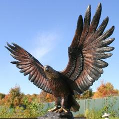 Vincentaa Bronze Eagle Statue 2.jpg