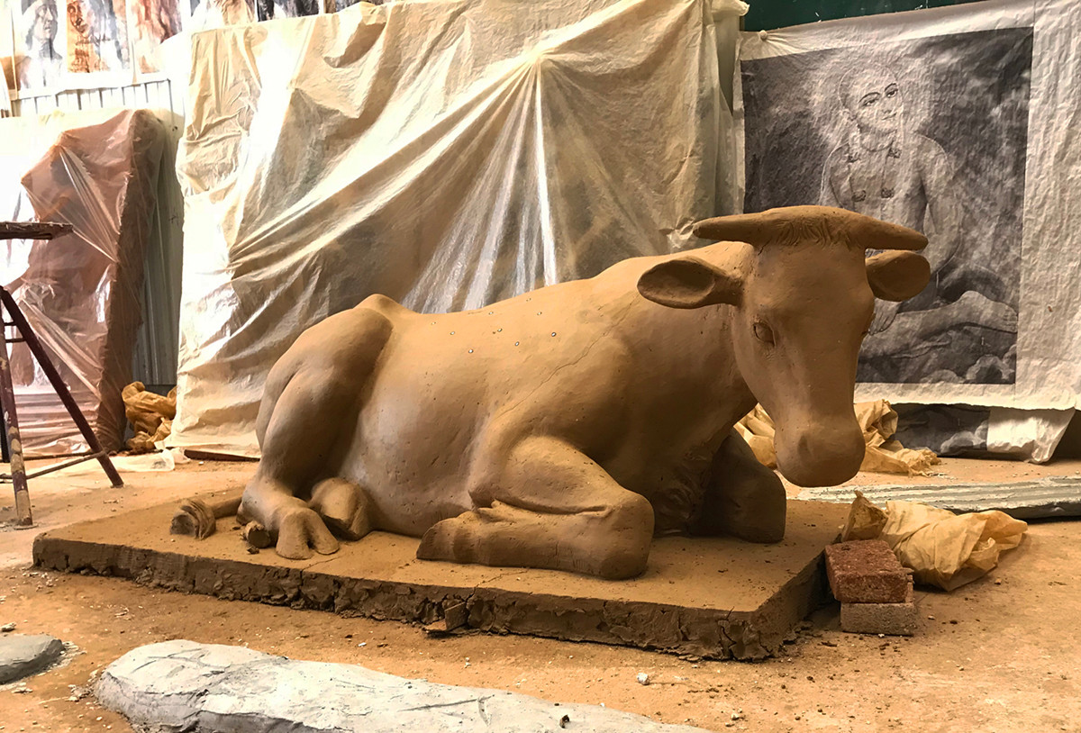 Bronze Bull Statue13.jpeg