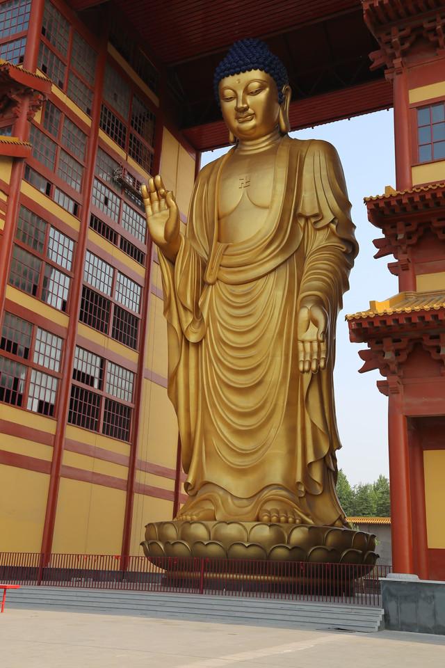 38 Sitting Bronze Buddha Statue.jpg