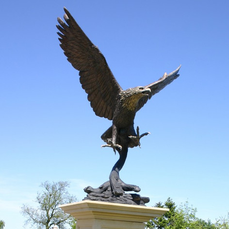 Vincentaa Bronze Eagle Statue 4.jpg