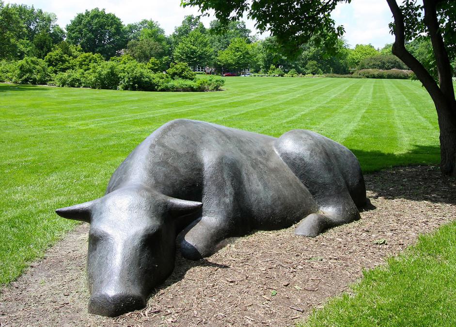 bronze bull statue12.jpg