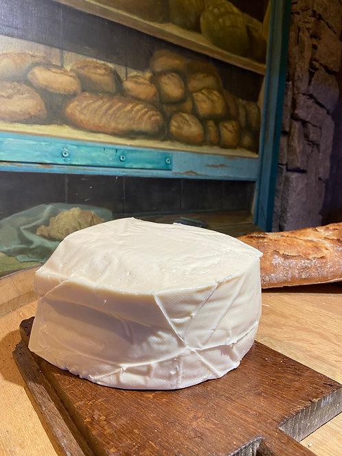 Tome fraîche de Cantal