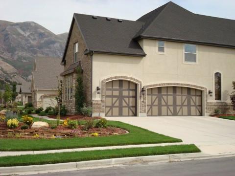 garage door 2-tone paint.jpg