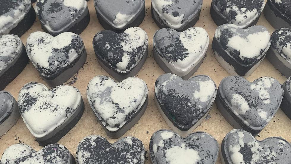 Mr.Grey Love Hearts x6
