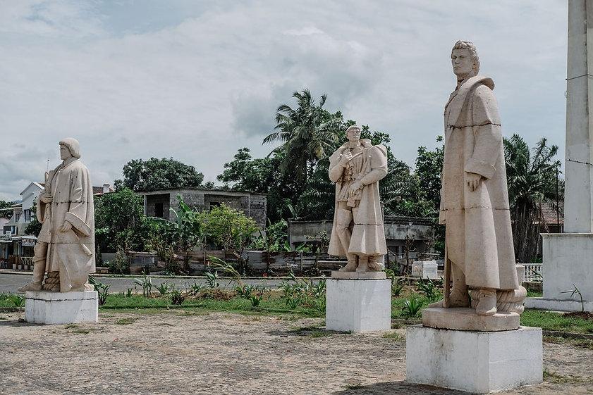 Statues São Tomé