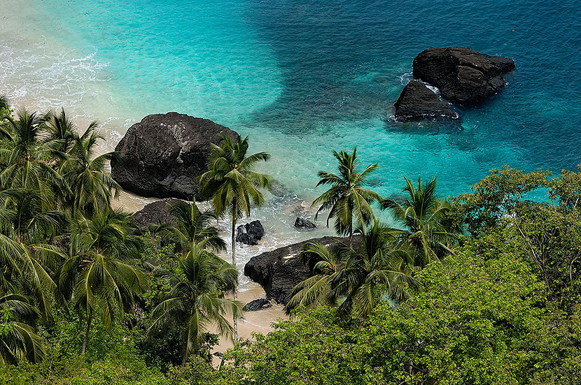 5 Beaches Hotel and Heli-tours package Príncipe