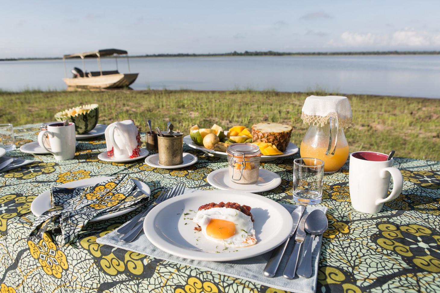 Breakfast after your morning boat safari at Siwandu, Nyerere, Selous