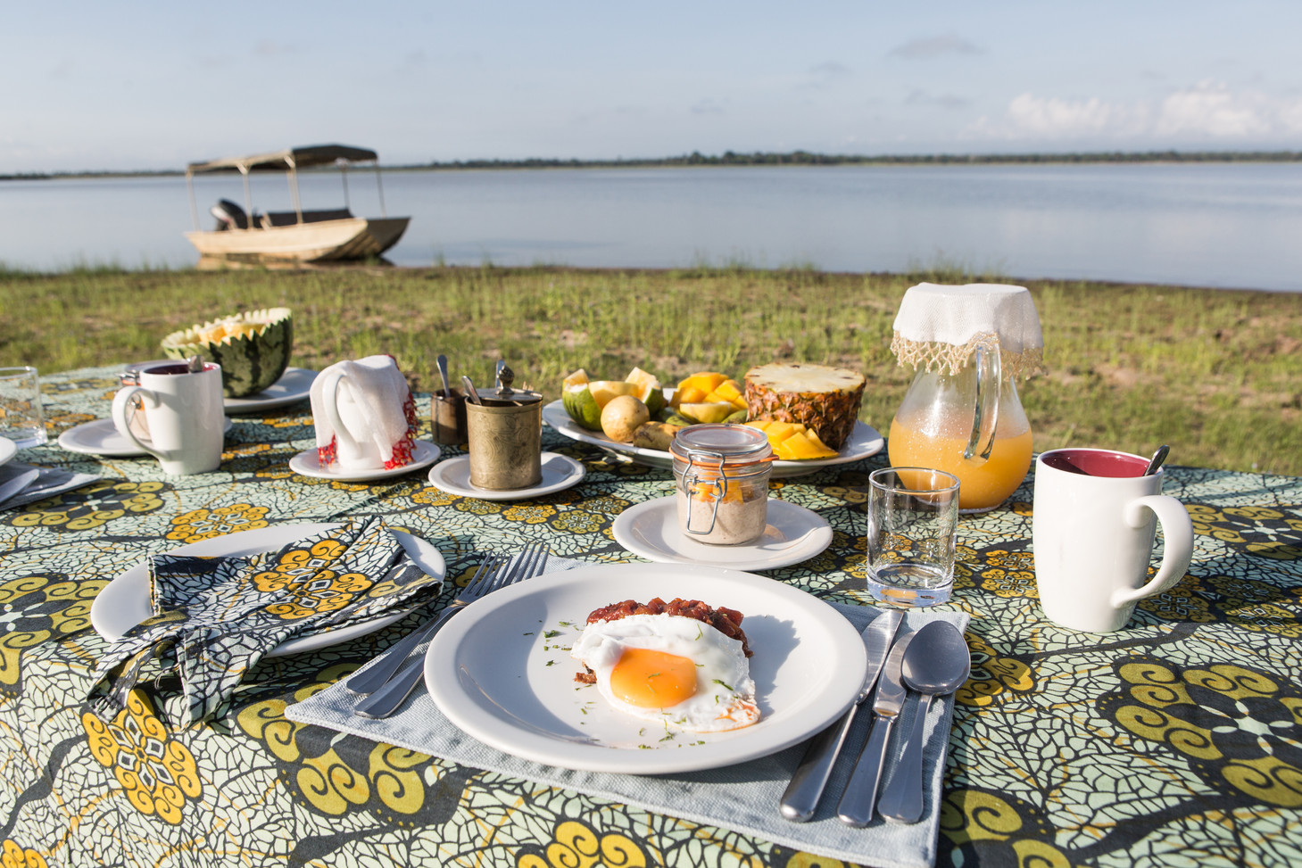 Breakfast after your morning boat safari at Siwandu, Nyerere, Selous