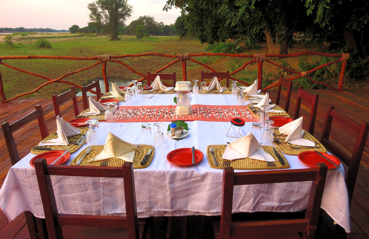 Dinner with a view at Zikomo Safari Lodge