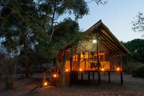Raised Chalet Overlooking Luangwa Valley