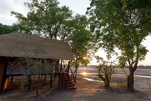 Private Chalet Overlooking Luangwa Valley Zikomo Zambia
