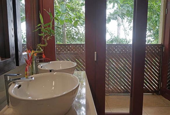 Roça Belo Monte Private Villa Bathroom Príncipe