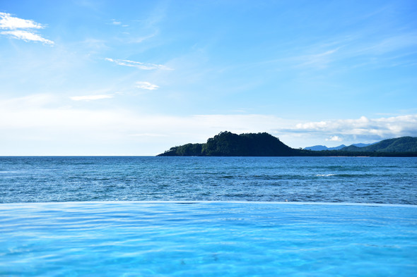 Saltwater Infinity Pool Pestana Equador