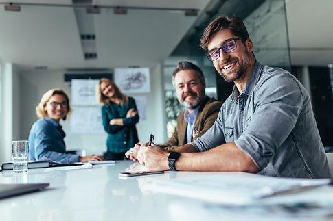 Die reine Anschaffung eines Marketing Automation Systems bringt zunächst wenig. Wichtig ist, sich über die Abfolgen und Prozesse Gedanken zu machen, die zukünftig automatisch durchlaufen werden sollen. Nach unserem Workshop haben Sie eine guten Überblick und können zusätzlich Ihre Anforderungen weiter schärfen.