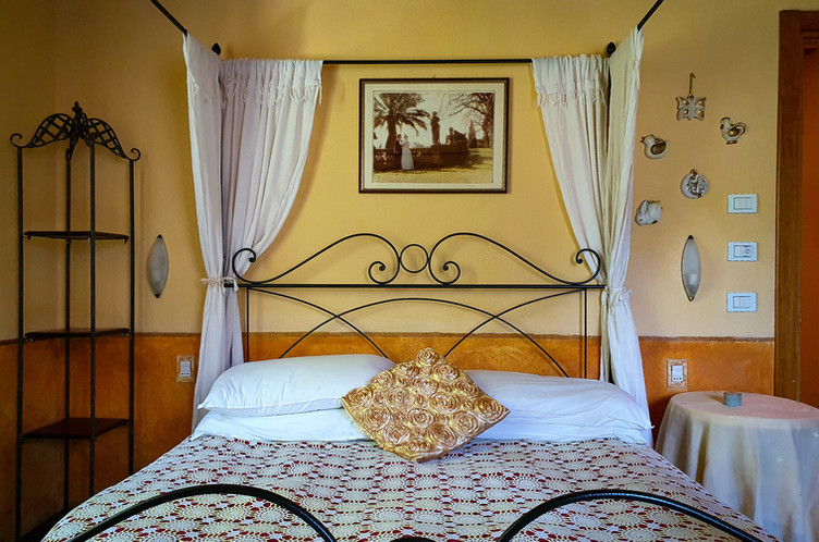 Tulipano - 1st Bedroom