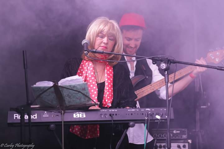Shaz as Christine McVie