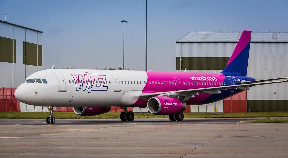 Airbus A321 portant les couleurs de Wizzair #A321 #WIZZAIR #Gate7