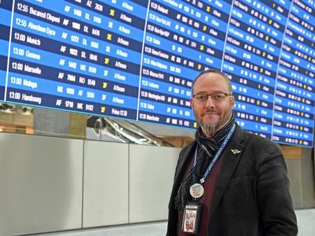 """""""Coté coulisses"""" : Rencontre avec Pierre de Mareuil aumônier à l'aéroport Paris-Charles de Gaulle."""