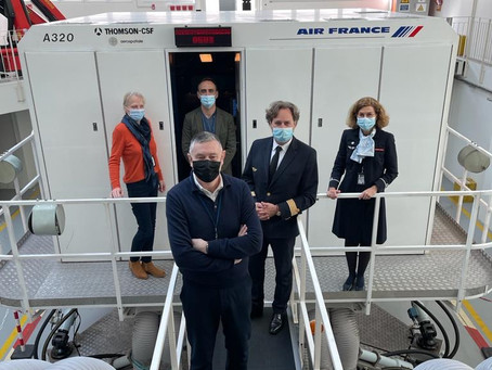 Sit back and Relax : Bienvenue à bord du stage «Comment apprivoiser l'avion» d'Air France.