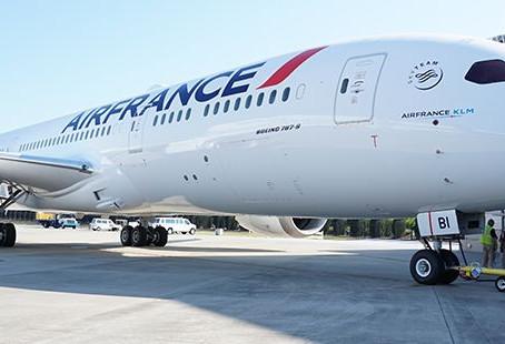 """Bienvenue """"Saint Emilion"""" : Air France recoit son 10e Boeing 787"""