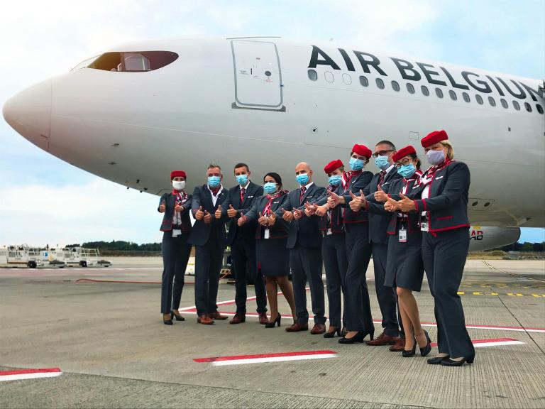 l'équipage du vol de reprise d'Air Belgium vers les Antilles - Gate7