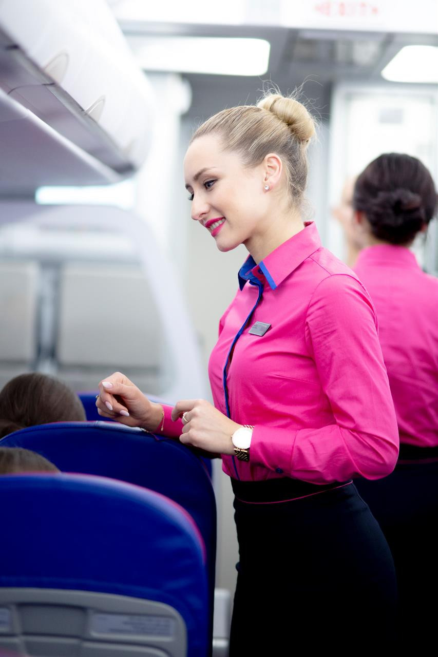Cabin crew / Equipage © Wizz Air Gate7