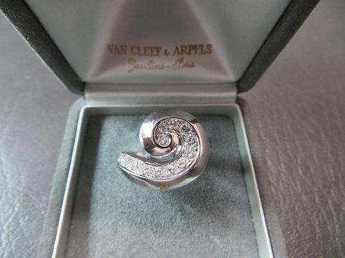 Van Cleef & Arpels Swirl Ring