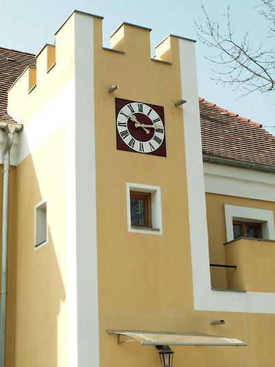 Tower clock at the castle in Heitzenhofen