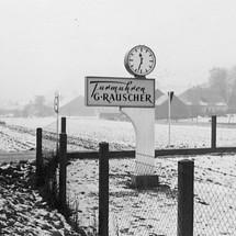"""Neues Betriebsgelände 1952: Turmuhren Rauscher in der Nürnberger Straße, damals noch """"auf dem Land"""""""