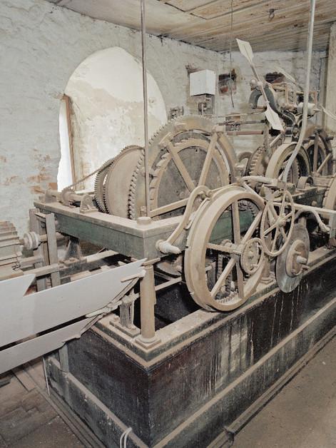 Mechanische Turmuhr von Johann Mannhardt aus dem Jahre 1842 im Nordturm der Münchner Frauenkirche, vor der Renovierung