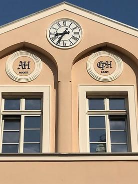 Gutshaus Turmuhr in klassischem Stil