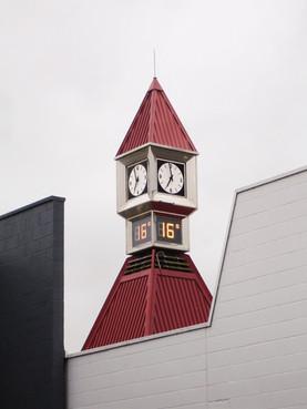 Bürogebäude in Aukland mit Uhrenturm