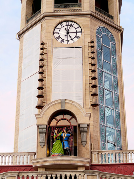 Carillon and figure show with a tower clock for the Hotel Saat Meydani in Nachitschewan