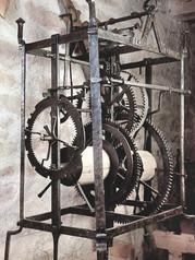 Schmiedeeiserne Turmuhr aus dem 16. Jahrhundert, ursprünglich am Regensburger Ostentorturm eingebaut