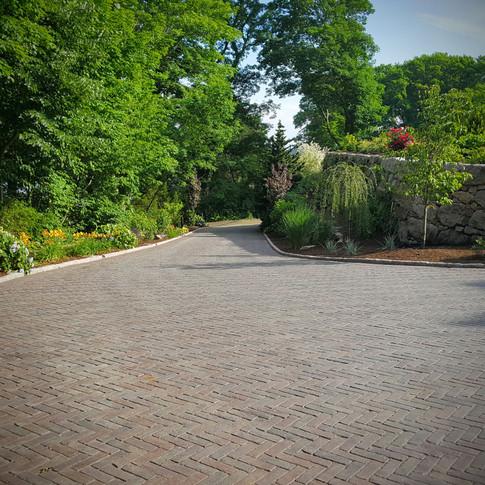 Unilock Copthorne Brick Paver Driveway