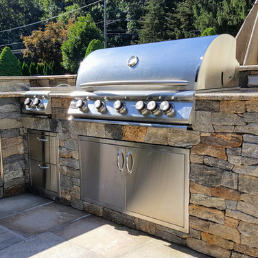 Outdoor Custom Kitchen in South Windsor, CT