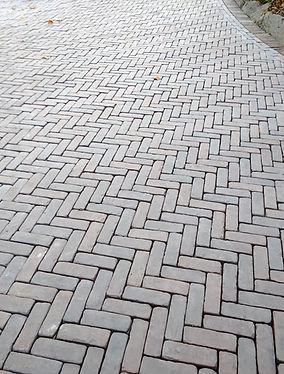 Unilock Copthorne Herringbone Pattern