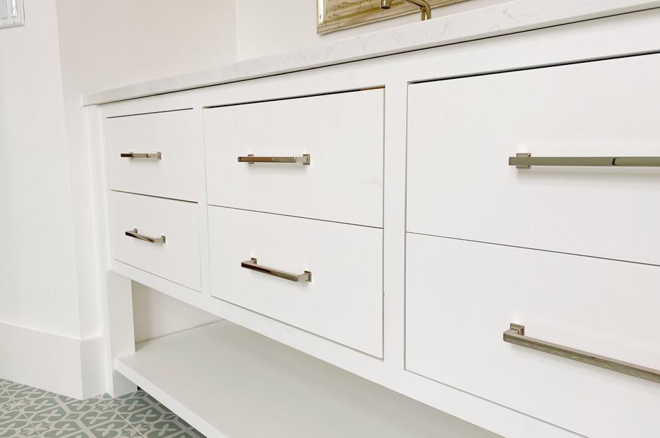 transitional-cabinetry-tulsa49.jpg