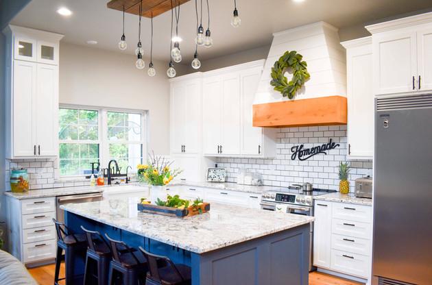 Traditional Kitchen - Farmhouse Style