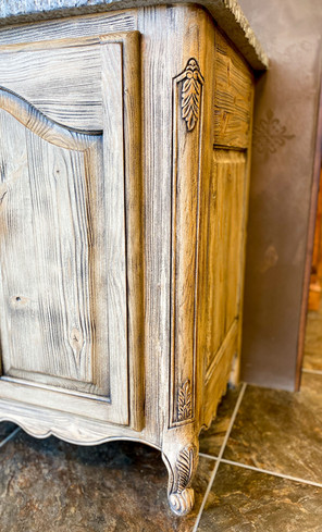 Sullivans-Cabinets-Prefinished-stained-cabinetry-6.jpg