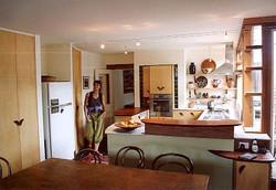 button int freda in kitchen lk nth from centre 75.jpg
