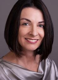 headshot-brunette-woman cropped.jpg
