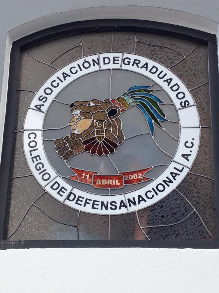 Escudo_de_Asociacion_de_Graduados,_Colegio_Militar._Año._2016_Vitral_Emplomado