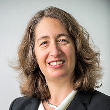 Elisabeth Kashner headshot.jpg