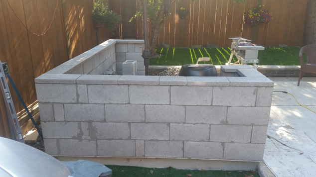 Outdoor Kitchen Using Masoney Blocks for Base